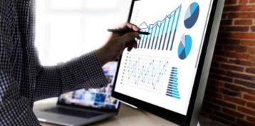 How to Optimize Your Accounts Receivables Dashboards (with Examples)